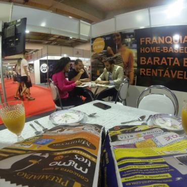 Com um dos mais baixos investimentos no mercado, rede de propaganda em saco de pão participa da Franchising Fair em Goiânia